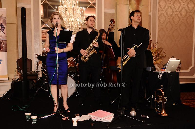 entertainment<br /> <br /> photo by Rob Rich © 2010 robwayne1@aol.com 516-676-3939
