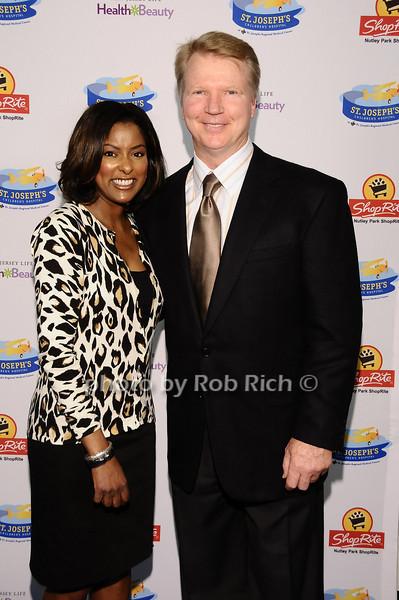 Lori Stokes, Phil Simms<br /> <br /> photo by Rob Rich © 2010 robwayne1@aol.com 516-676-3939