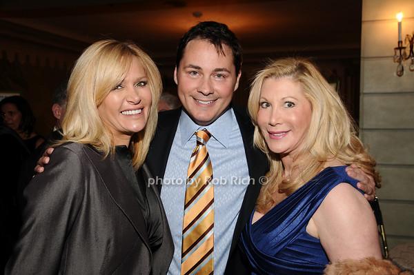 Leesa Rowland, Peter Rosenblum, Michelle Walker<br /> photo by Rob Rich © 2010 516-676-3939 robwayne1@aol.com