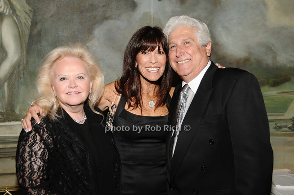 Jane Pontarelli, Irene Cohen, Joe Pontarelli<br /> photo by Rob Rich © 2010 516-676-3939 robwayne1@aol.com