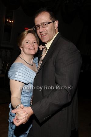 dancing photo by Rob Rich © 2010 516-676-3939 robwayne1@aol.com