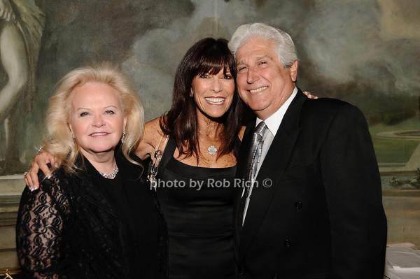 Jane Pontarelli, Irene Cohen, Joe Pontarelli<br /> photo by Rob Rich © 2010 516-676-3939 robwayne1@aol.com