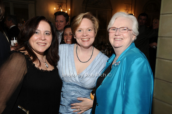 Rosa Amato, Maryellen Laino, Ellen Fanelli<br /> photo by Rob Rich © 2010 516-676-3939 robwayne1@aol.com