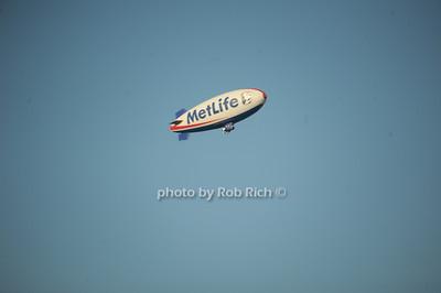 Met Life Blimp photo by Rob Rich/SocietyAllure.com © 2014 robwayne1@aol.com 516-676-3939