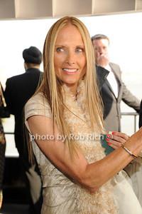 Cathy Oerter photo by Rob Rich © 2011 robwayne1@aol.com 516-676-3939