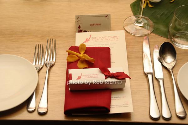 table setting<br /> photo by Rob Rich/SocietyAllure.com © 2011 robwayne1@aol.com 516-676-3939