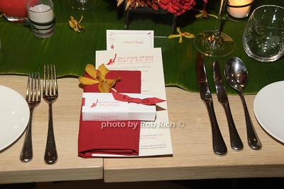 table setting photo by Rob Rich/SocietyAllure.com © 2011 robwayne1@aol.com 516-676-3939
