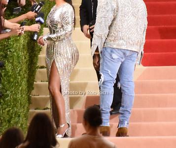 Kim Kardashian, Kanye West photo by Rob Rich/SocietyAllure.com © 2016 robwayne1@aol.com 516-676-3939
