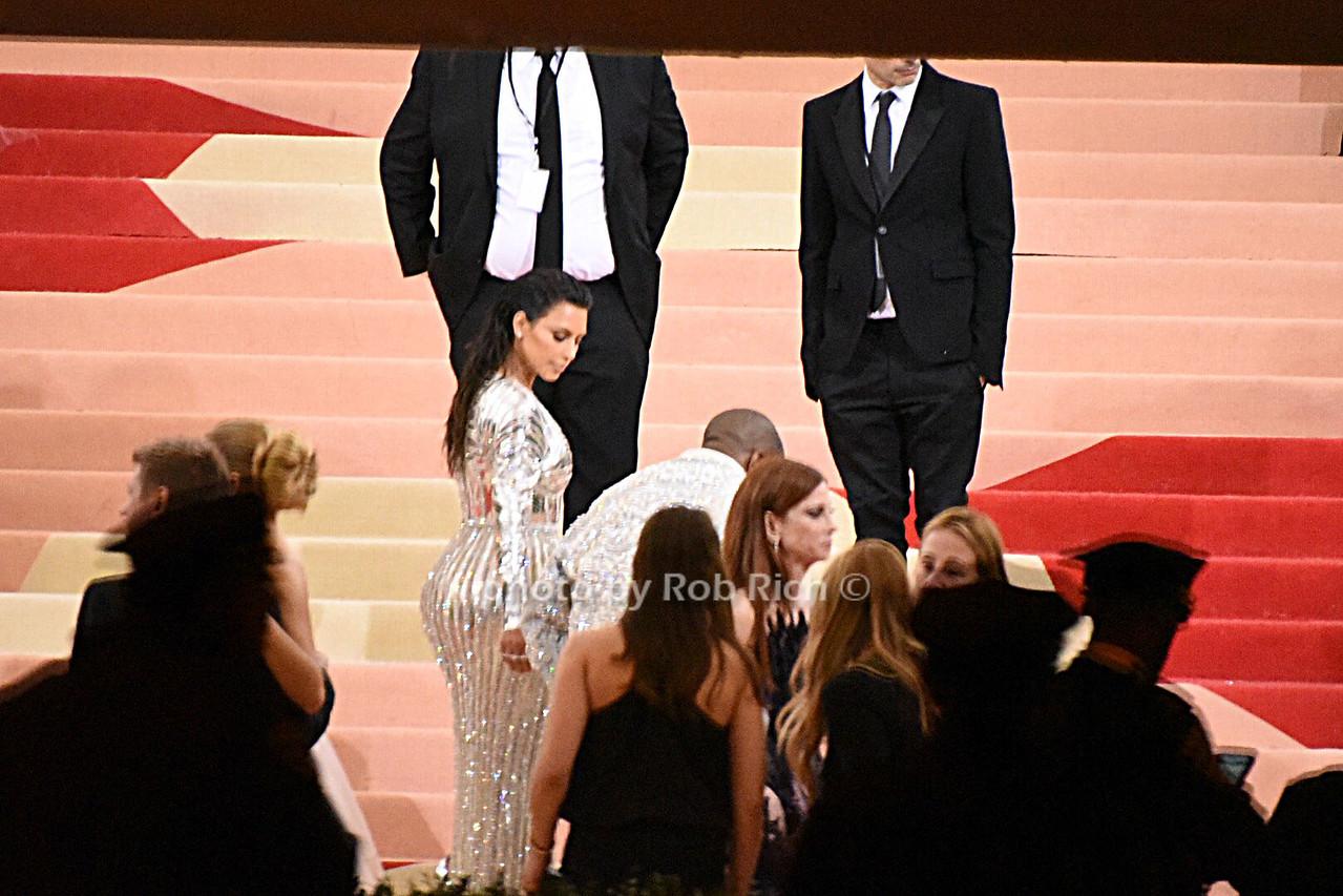 Kim Kardashianphoto by Rob Rich/SocietyAllure.com © 2016 robwayne1@aol.com 516-676-3939