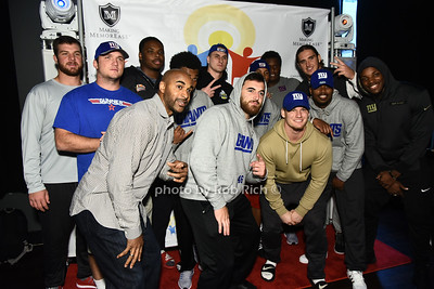 David Tyree with NY GIANTS football players photo by Rob Rich/SocietyAllure.com ©2017 robrich101@gmail.com 516-676-3939