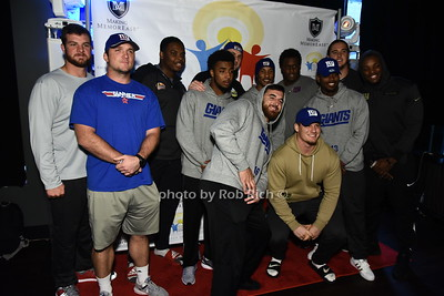 NY GIANTS  football players photo by Rob Rich/SocietyAllure.com ©2017 robrich101@gmail.com 516-676-3939
