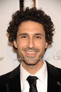 Ethan Zohn photo by Rob Rich/SocietyAllure.com © 2011 robwayne1@aol.com 516-676-3939