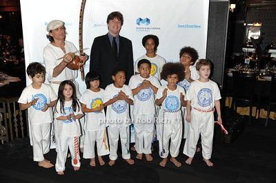 Joshua Bell with the African Brazilian dancing students and Michael Goldstein photo by Rob Rich/SocietyAllure.com © 2011 robwayne1@aol.com 516-676-3939
