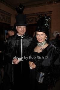 Tom Bell, Susan Krysiewicz photo by Rob Rich/SocietyAllure.com © 2011 robwayne1@aol.com 516-676-3939