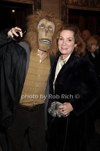 Ape, Vicki Herbert photo by Rob Rich/SocietyAllure.com © 2011 robwayne1@aol.com 516-676-3939