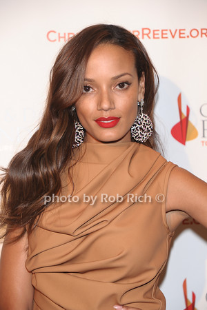 Selita Ebanks<br /> photo by Rob Rich © 2010 robwayne1@aol.com 516-676-3939