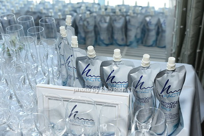 Hfactor water photo by Rob Rich/SocietyAllure.com ©2017 robrich101@gmail.com 516-676-3939
