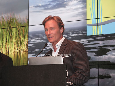 CBS Weatherman Lonnie Quinn photo by Rob Rich/SocietyAllure.com ©2018 robrich101@gmail.com 516-676-3939