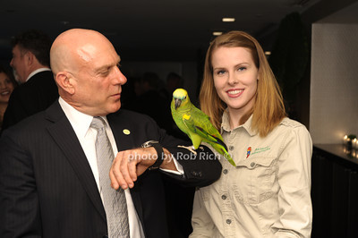 Wiilliam Karesh, Juanita the Parrot, Maria Mikolaenko photo by Rob Rich/SocietyAllure.com © 2013 robwayne1@aol.com 516-676-3939