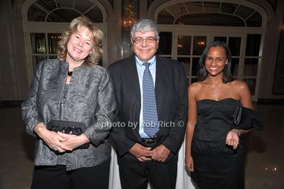 Janice, Daszak  Harvey Kasdan, Shari Sampson photo by Rob Rich © 2010 robwayne1@aol.com 516-676-3939