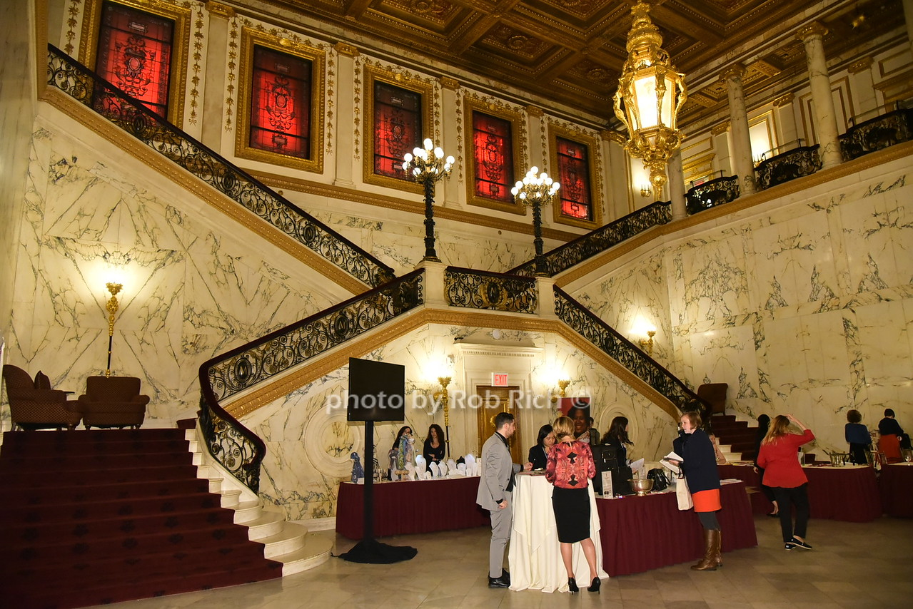 atmosphere at the Metropolitan Club