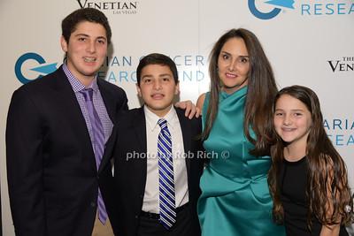 Mara Sandler and family photo by Rob Rich/SocietyAllure.com © 2014 robwayne1@aol.com 516-676-3939