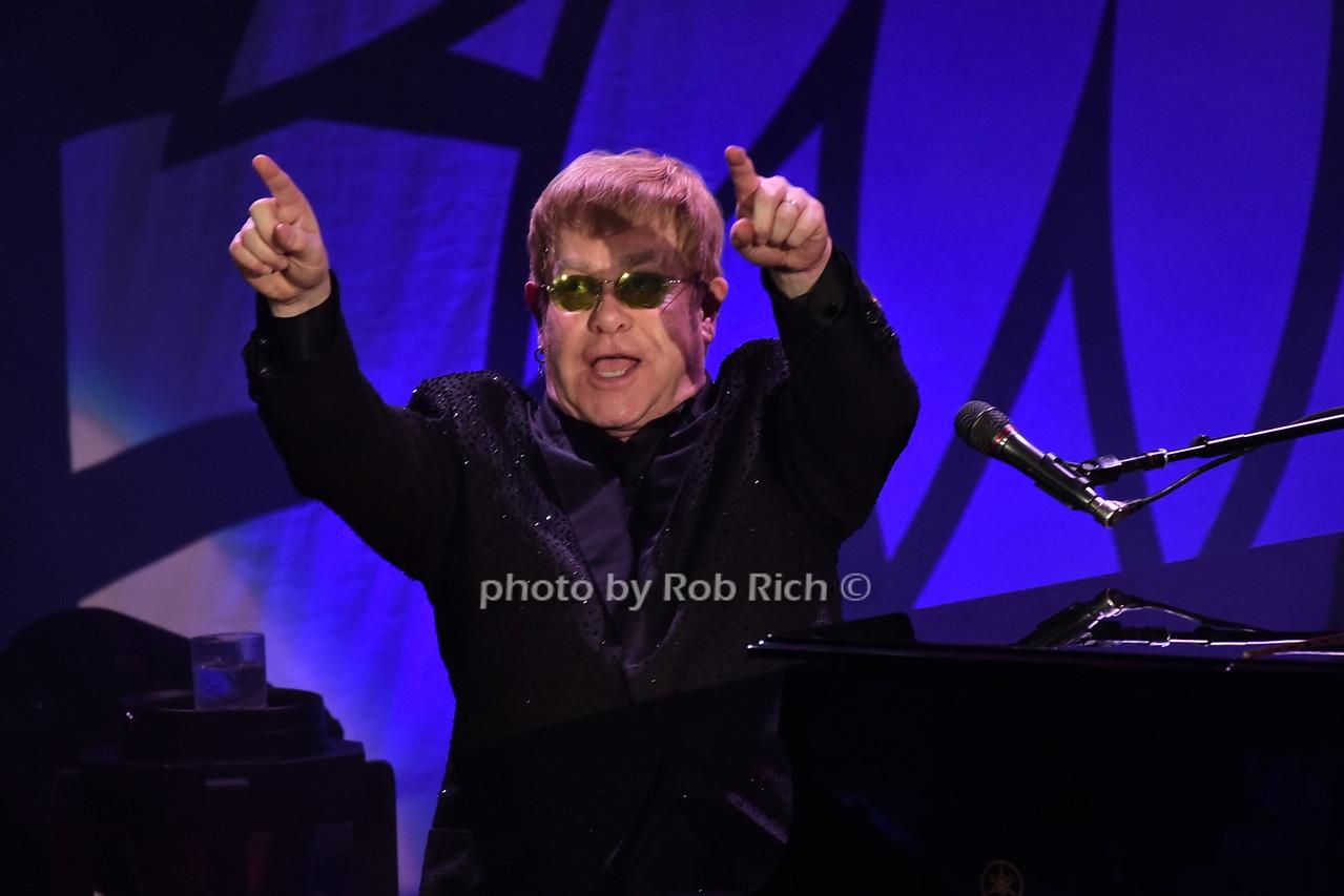 Elton Johnphoto by Rob Rich/SocietyAllure.com © 2016 robwayne1@aol.com 516-676-3939
