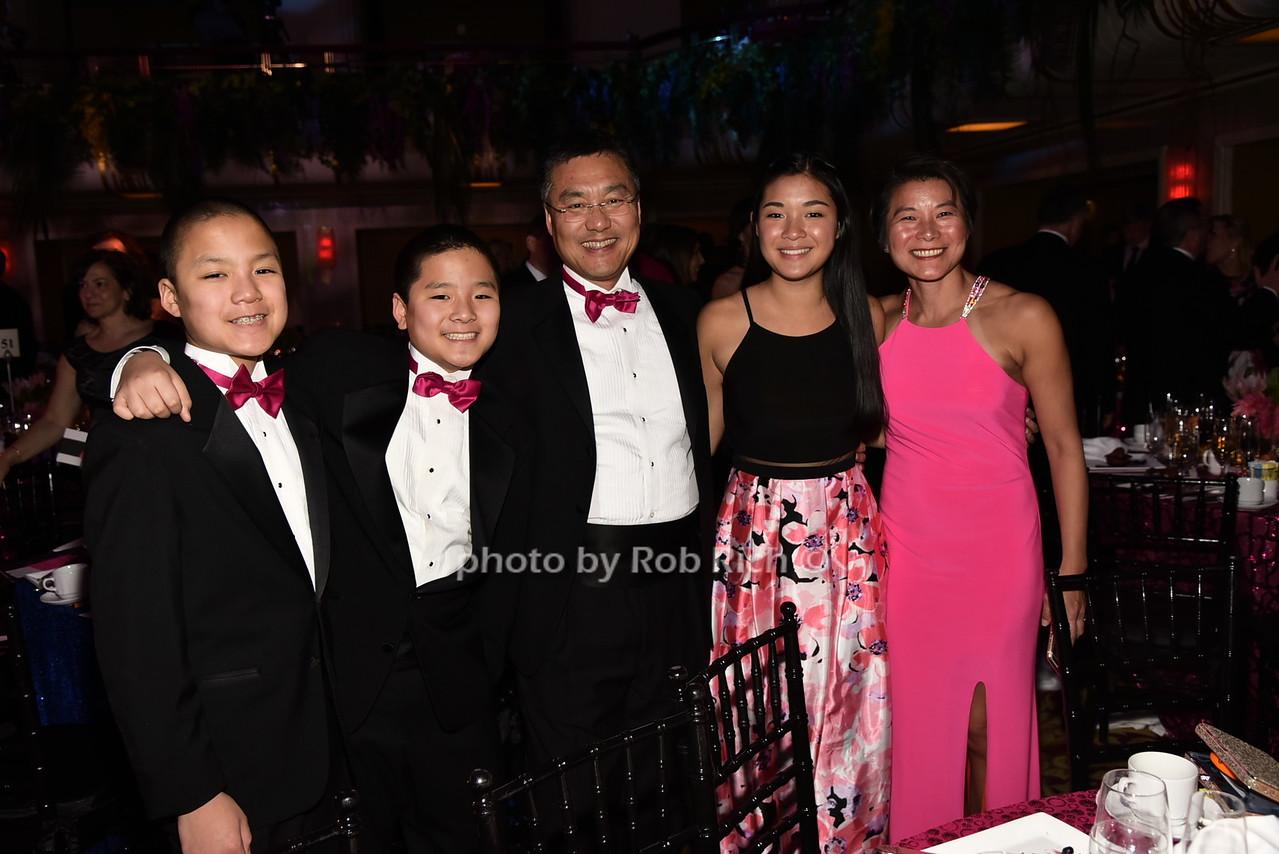 Shin familyphoto by Rob Rich/SocietyAllure.com © 2016 robwayne1@aol.com 516-676-3939