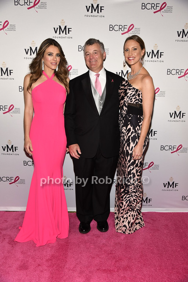 Elizabeth Hurley, William Lauder, Kinga Lampbert