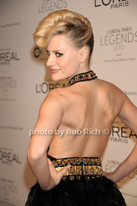 Aimee Mullins photo by Rob Rich/SocietyAllure.com © 2011 robwayne1@aol.com 516-676-3939