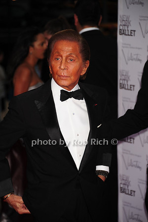 Valentino Garavani<br /> New York City Ballet Fall Gala 2012 held at Lincoln Center-<br /> Arrivals<br /> New York City, USA- 09-20-12 photo by Rob Rich/SocietyAllure.com © 2012 robwayne1@aol.com 516-676-3939