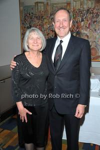 Pauline Bencevigna, Gary Bencivigna photo by Rob Rich © 2010 robwayne1@aol.com 516-676-3939