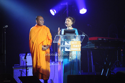 Venerable Sovath, Dr.Pung Chhiv Ke   photo  by Rob Rich © 2010 robwayne1@aol.com 516-676-3939