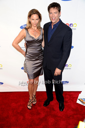 Jill Goodacre, Harry Connick jr.<br /> photo by Rob Rich © 2011 robwayne1@aol.com 516-676-3939