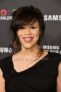 Rosie Perez photo by Rob Rich/SocietyAllure.com © 2015 robwayne1@aol.com 516-676-3939