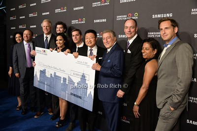 $2000000. check from Samsung photo by Rob Rich/SocietyAllure.com © 2015 robwayne1@aol.com 516-676-3939