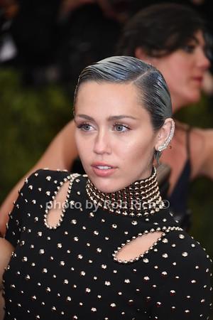Miley Cyrus photo by Rob Rich/SocietyAllure.com © 2015 robwayne1@aol.com 516-676-3939