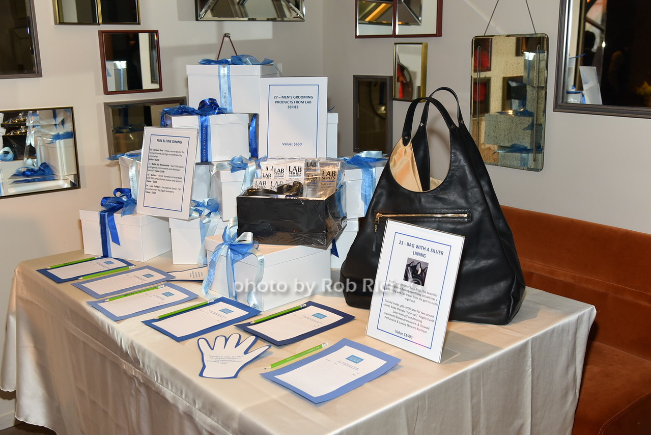 auction itemsphoto by Rob Rich/SocietyAllure.com © 2016 robwayne1@aol.com 516-676-3939