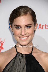 Allison Williams photo by Rob Rich/SocietyAllure.com © 2013 robwayne1@aol.com 516-676-3939