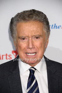 Regis Philbin photo by Rob Rich/SocietyAllure.com © 2013 robwayne1@aol.com 516-676-3939