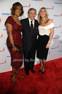 Gayle King, Tony Bennett, Susan Benedetto photo by Rob Rich/SocietyAllure.com © 2013 robwayne1@aol.com 516-676-3939