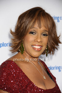 Gayle King photo by Rob Rich/SocietyAllure.com © 2013 robwayne1@aol.com 516-676-3939