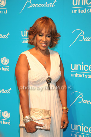 Gayle King photo by Rob Rich/SocietyAllure.com © 2011 robwayne1@aol.com 516-676-3939