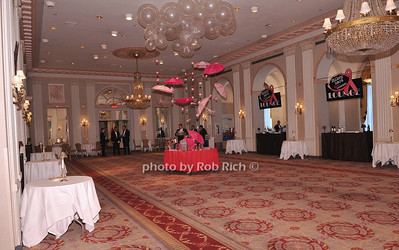 Atmosphere photo by F.Leon for Rob Rich© 2012 robwayne1@aol.com 516-676-3939