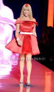 Suzanne Somers photo by Rob Rich © 2011 robwayne1@aol.com 516-676-3939