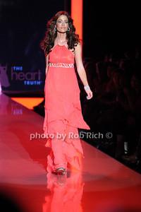 Denise Richards photo by Rob Rich © 2011 robwayne1@aol.com 516-676-3939