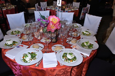 table setting photo by Rob Rich/SocietyAllure.com © 2016 robwayne1@aol.com 516-676-3939