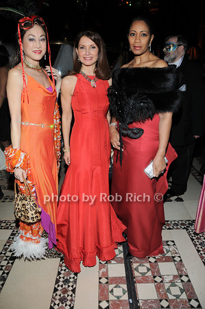 Lucia Hwong Gordon, Jean Lutri Shafiroff, guest<br /> photo by Rob Rich © 2010 robwayne1@aol.com 516-676-3939