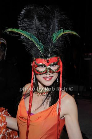 Lucia Hwong Gordon<br /> photo by Rob Rich © 2010 robwayne1@aol.com 516-676-3939