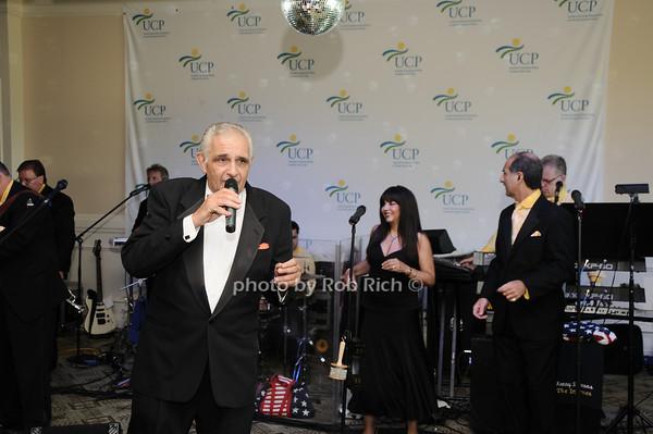 entertainment<br /> photo by Rob Rich © 2010 robwayne1@aol.com 516-676-3939